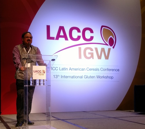 B.M. Prasanna discusses the history of maize biofortification at the LACC conference. Photo: Mike Listman/CIMMYT.