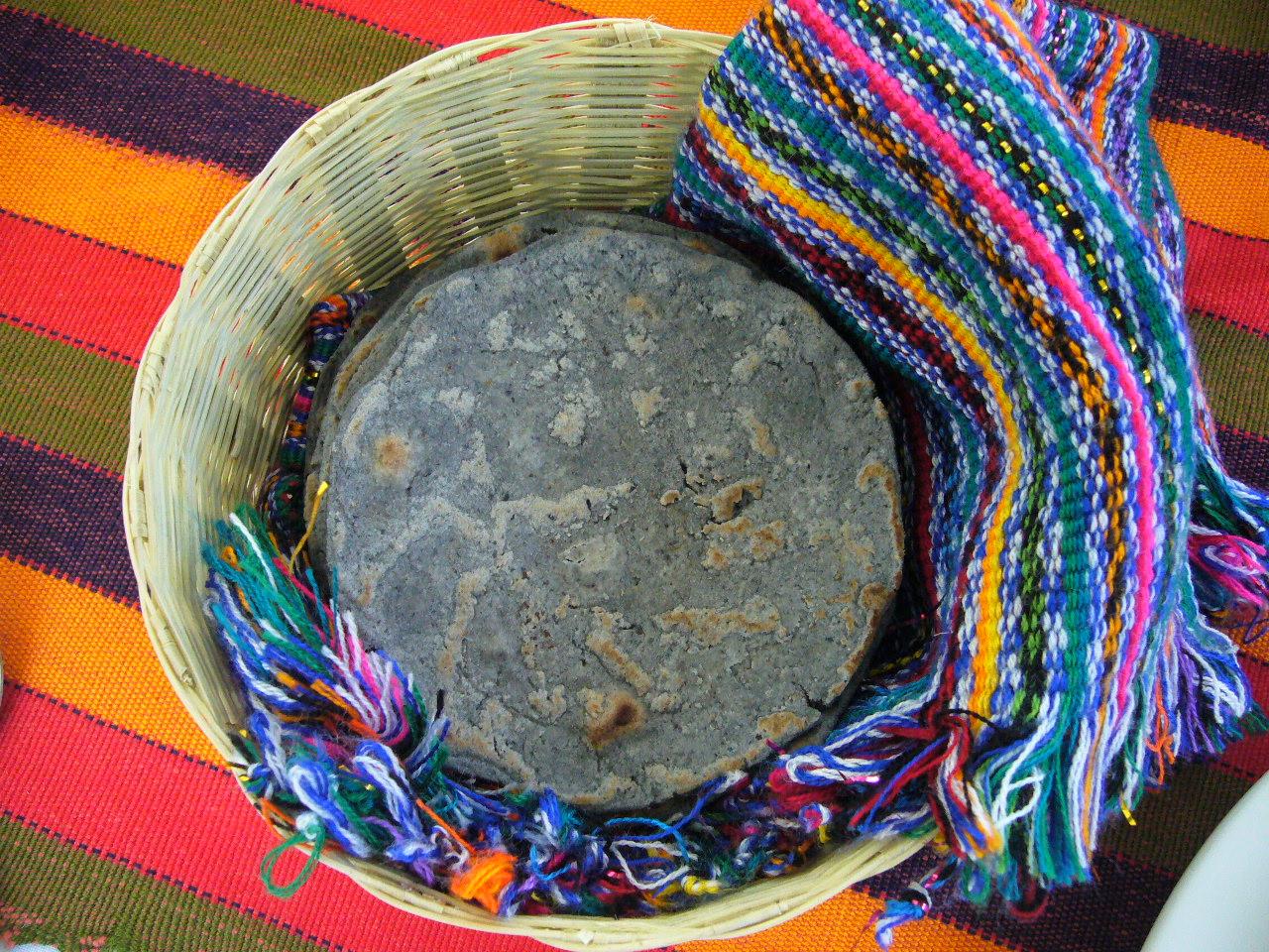Blue maize tortillas. (Photo: Luis Figueroa)