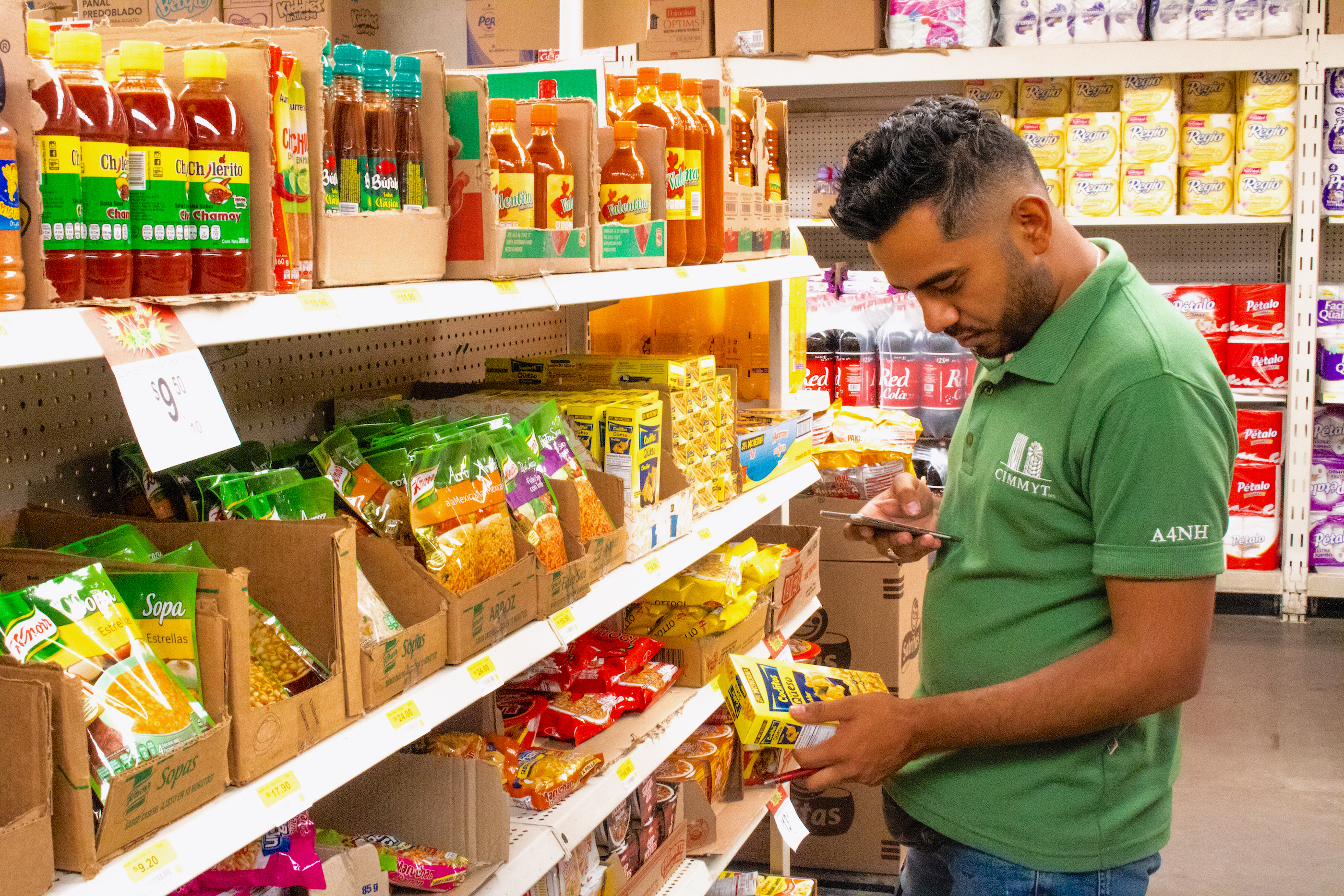 In a small supermarket in San Vicente, the research team found nearly 50 different types of biscuits and around 80 savory maize-based snacks like chips and tortillas. (Photo: Emma Orchardson/CIMMYT)
