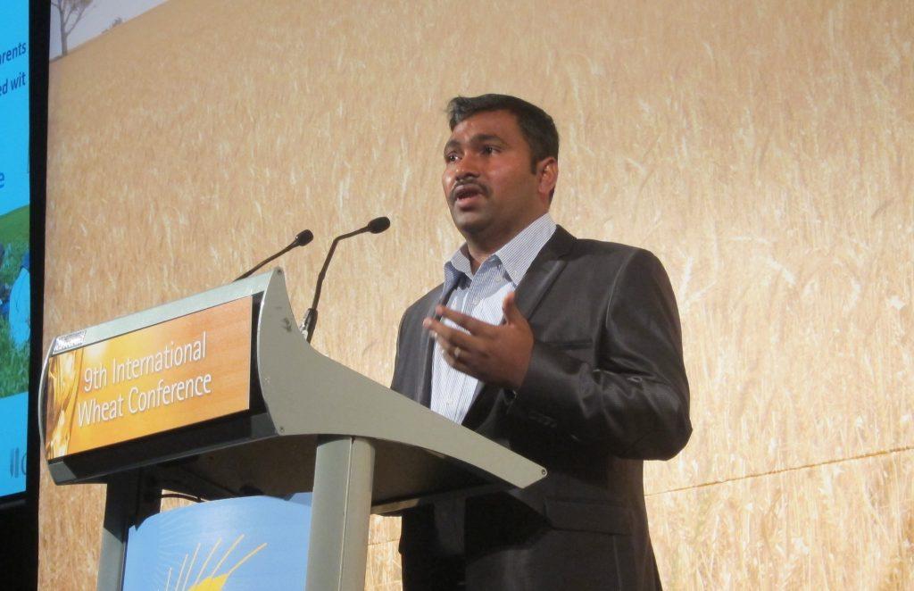 Velu Govindan speaks at International Wheat Conference in 2015. (Photo: Julie Mollins/CIMMYT)