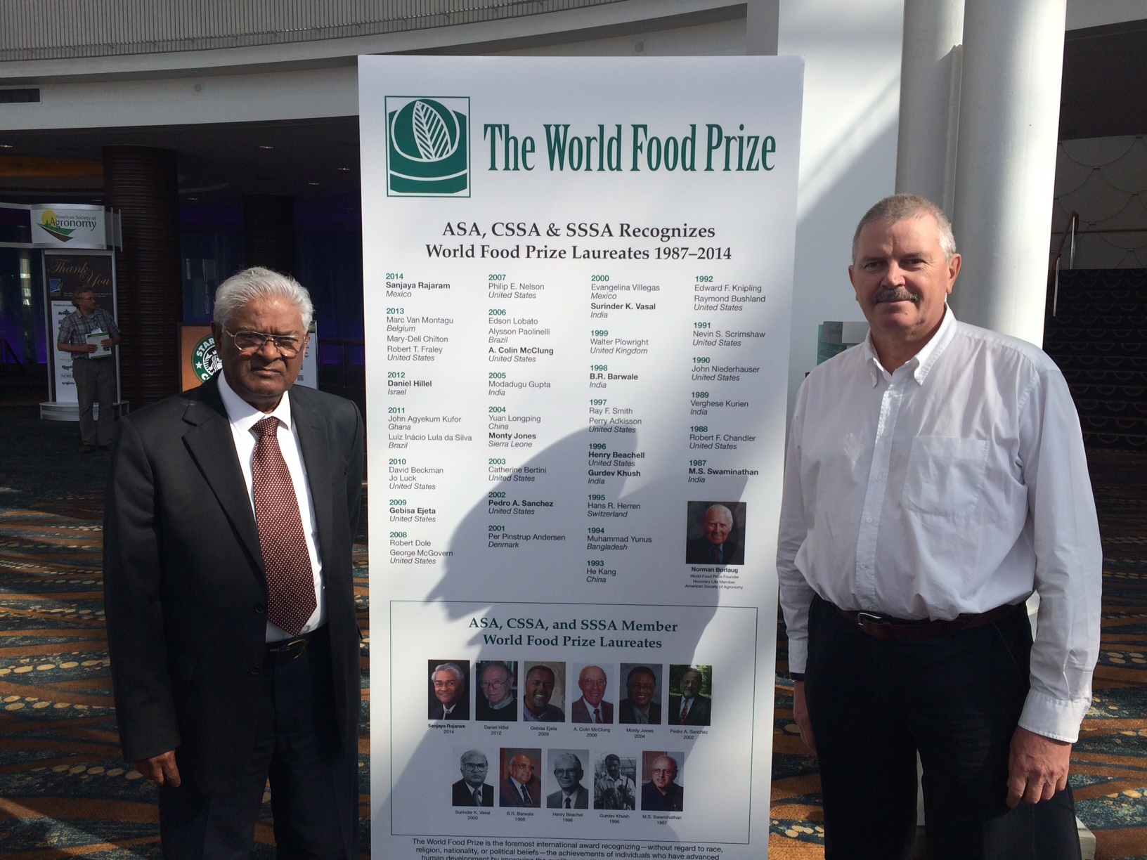 Alex Morgunov (right) with World Food Prize laureate and former CIMMYT wheat program director Sanjaya Rajaram. (Photo: Alex Morgunov/CIMMYT)