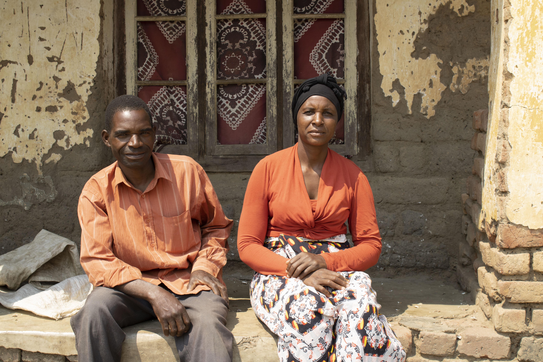 Family farmers Kassim Massi and Joyce Makawa in Lemu, Malawi. (Photo: Shiela Chikulo/CIMMYT)