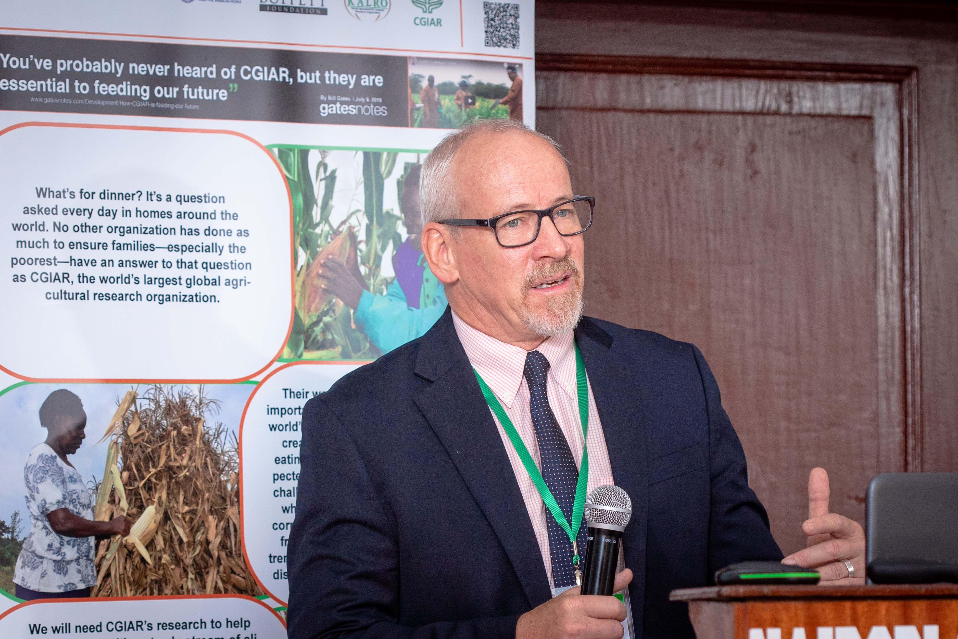 "Joseph DeVries, President of Seed Systems Group, addresses participants at the ""Gender dynamics in seed systems in sub-Saharan Africa"" workshop. (Photo: Kipenz Films/CIMMYT)"