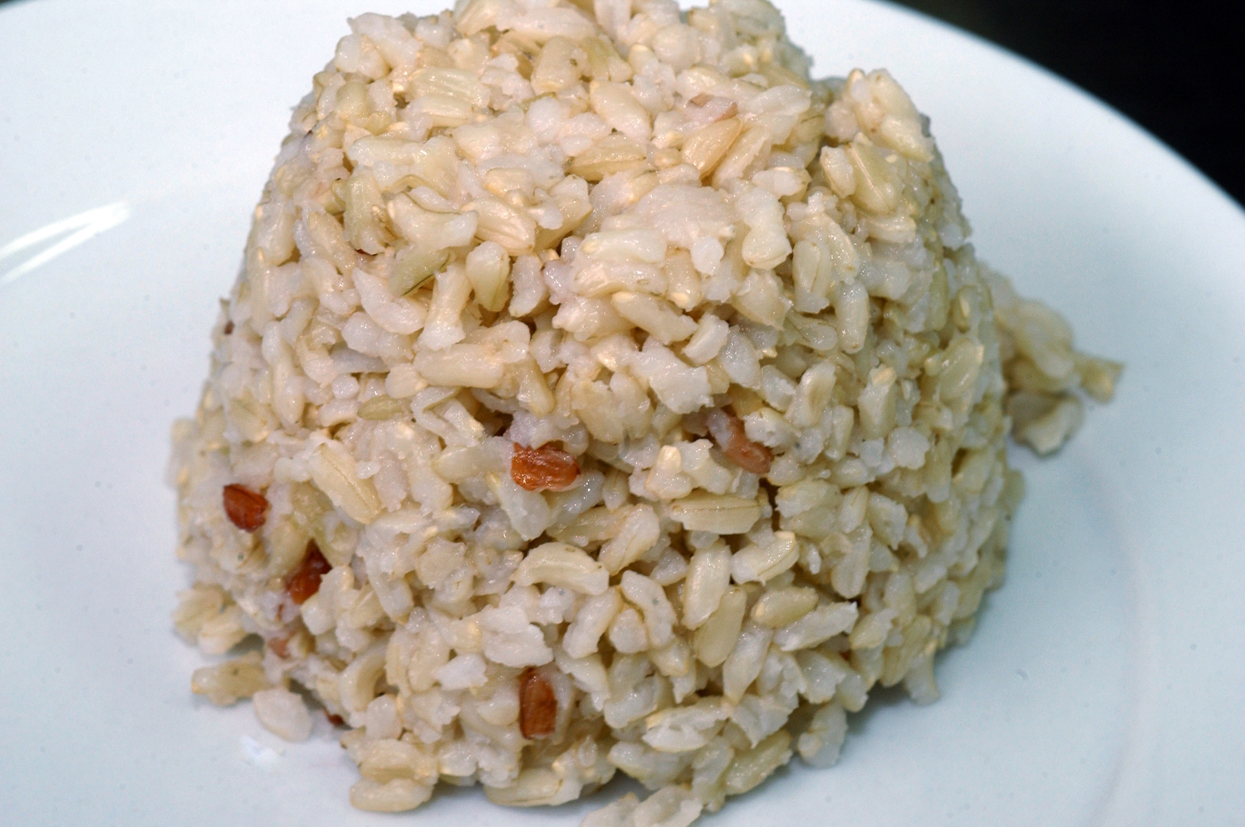 A plate of cooked brown rice will accompany a meal in the Philippines. (Photo: IRRI)