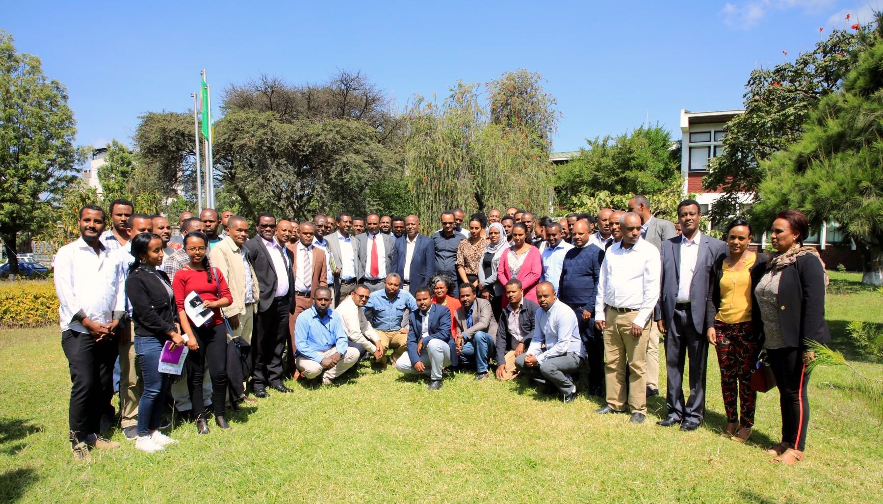 Participants of the launch of the digital agro-climate advisory platform gather for a group photo. (Photo: Semu Yemane/EIAR)