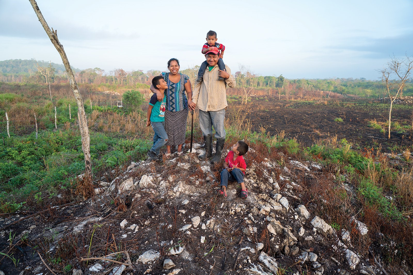 The Rodríguez family, milpa farmers, in Cristóbal Colón, Campeche. (Photo: CIMMYT/Peter Lowe)