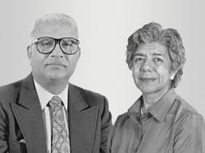 Ganadores del Premio Mundial de la Alimentación 2000 Evangelina Villegas y Surinder K. Vasal.