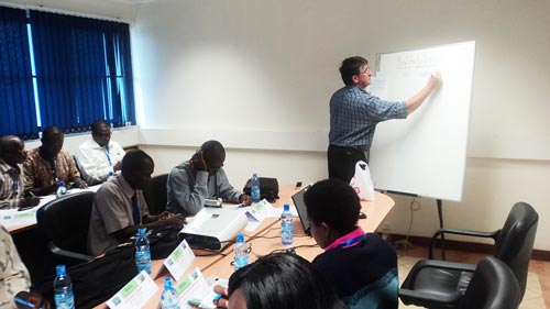 CIMMYT seed sytems lead John MacRobert facilitates a SEMIs seed production class at the College of Agriculture and Veterinary Sciences at the University of Nairobi. Photo: David Ndung'u/SEMIs