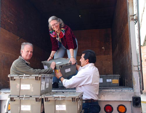 Tom Payne (left), Denise Costich and Miguel Ángel López help load the seed shipment from the CIMMYT Germplasm Bank, on its way to the Svalbard Global Seed Vault in Norway. Photo: Xochiquetzal Fonseca/CIMMYT
