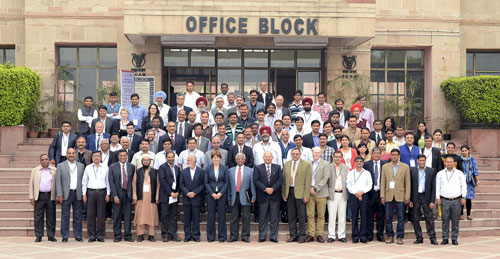 Key stakeholders for CCAFS flagship projects pose for a photo.