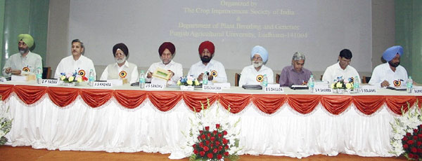 Inaugural function of the 58th All India Coordinated Maize Workshop (from left to right: H.S. Dhaliwal, O.P. Yadav, A.S. Khehra, J.S. Sandhu, Gurbachan Singh, B.S. Dhillon, S.K. Sharma, I.S. Solanki and B. Singh.)