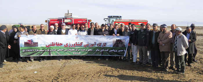 Workshop participants included farmers, agricultural and extension experts, agricultural researchers, Golestan Province agricultural officers, Dr. Ken Sayre, Dr. Kamali (Principal scientist CIMMYT, Iran) and Dr. Asadi. Photos: Mr. Kamaraki/Organization of Agriculture Jihad.