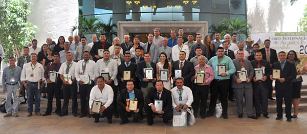 The 39 extension agents in northern Mexico who were certified as technicians in sustainable agriculture. Photo credit : Luz Paola López Amezcua/CIMMYT
