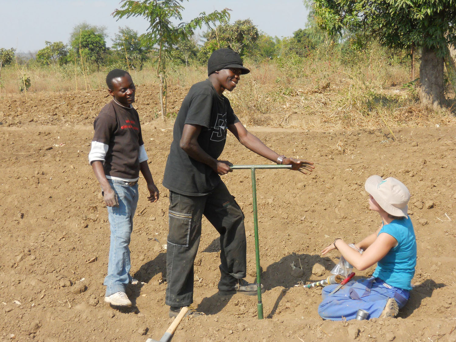 CA practitioners and Cheesman conduct bulk density sampling in Zidyana, Malawi, August 2011. Photo: Sign Phiri