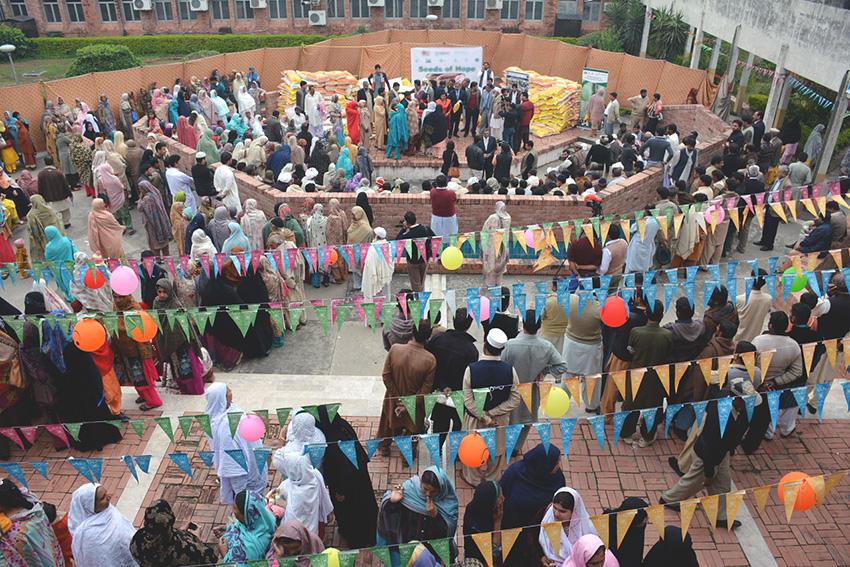 Seed distribution ceremony during the women farmers' festival. Photo: Amina Nasim Khan.