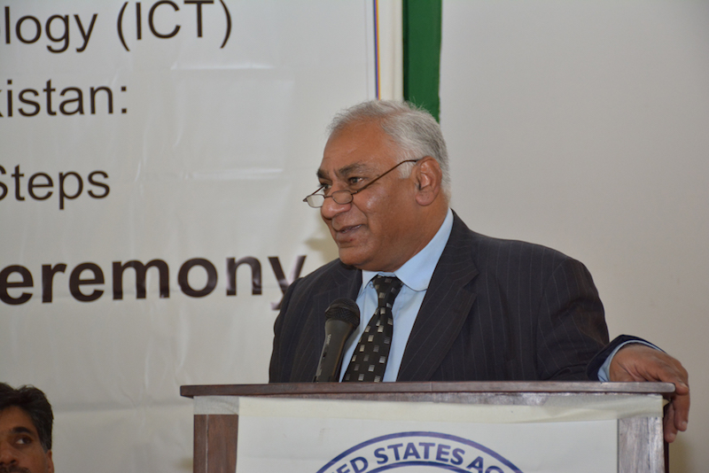 Pakistan's Federal Minister of National Food Security and Research shared his thoughts with the audience at the launching ceremony. Photo: Amina Nasim Khan/CIMMYT