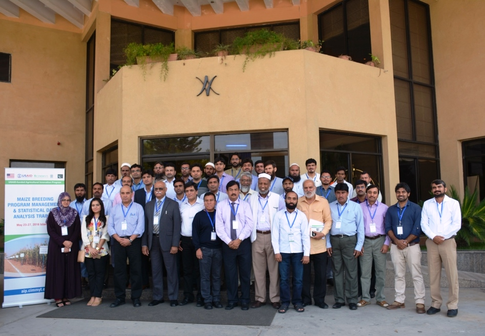 Participants of maize breeding program management and statistical data analysis training held in Islamabad from 23-27 May 2016. Photo: Amina Nasim Khan/CIMMYT