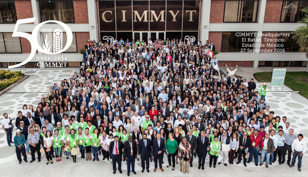 Group photo of all attendees to CIMMYT 50 celebrations in Mexico