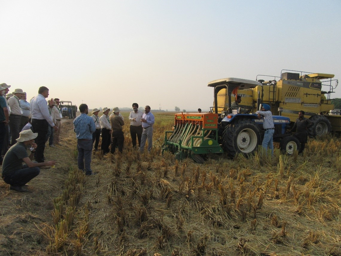 Field demonstration and training on CA machinery. Photo: CIMMYT