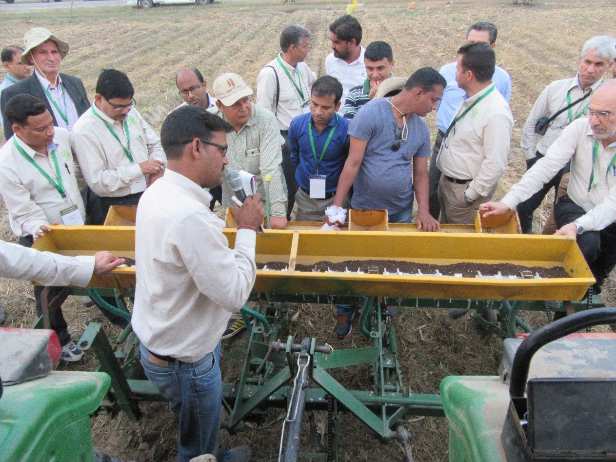 Hands-on training on calibration.  Photo: CIMMYT