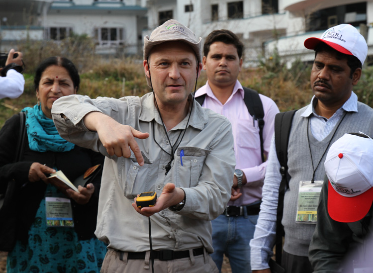 Dave Hodson, senior scientist with CIMMYT, trains South Asian wheat scientists on the use of handheld surveillance and monitoring devices. Hodson directs the rusttracker.org global wheat rust monitoring system for the new Delivering Genetic Gain in Wheat (DGGW) project. CREDIT: McCandless/Cornell
