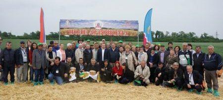 Sixth International Winter Wheat Travelling Seminar participants. Photo: CIMMYT