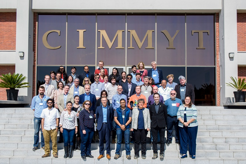 Group photo of agricultural attachés at CIMMYT. Photo: CIMMYT/P.Arredondo
