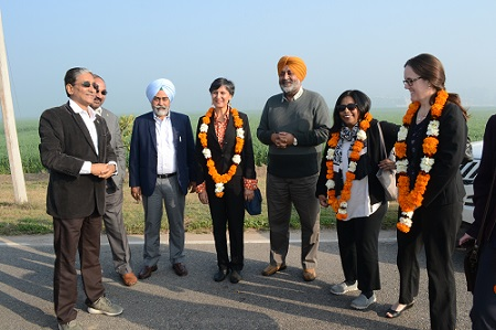Offering a very warm Welcome to Australian High commissioner and team by Arun Joshi. Photo: CIMMYT/Hardeep