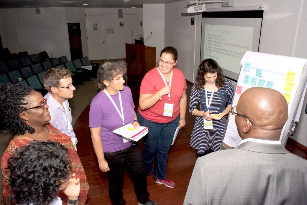 Daniela Vega (third from left), UNLEASH 2017 alumna, leads CIMMYT colleagues in a breakout session on innovation during Science Week. (Photo: Alfonso Arredondo/CIMMYT)
